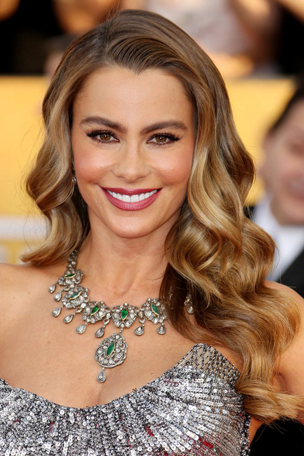 Sofia Vergara glamour 19jan13 rex b 592x888 Beauty trendovi: SAG Awards 2014