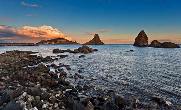 Stene u moru Sedam lokacija između mita i istine