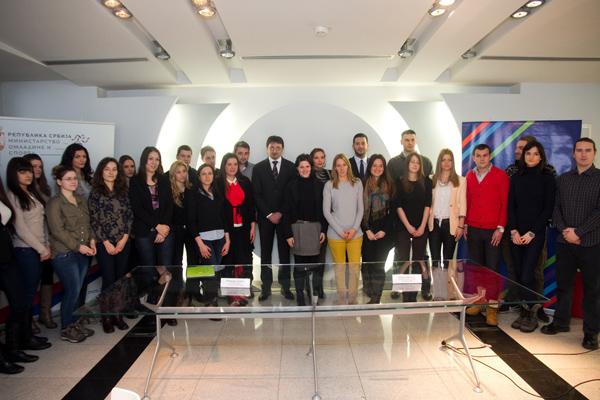 Stipendisti Fonda za mlade talente sa g Udovicicem i g Culibrkom Stipendisti Fonda za mlade talente na praksi u kompaniji Telekom Srbija