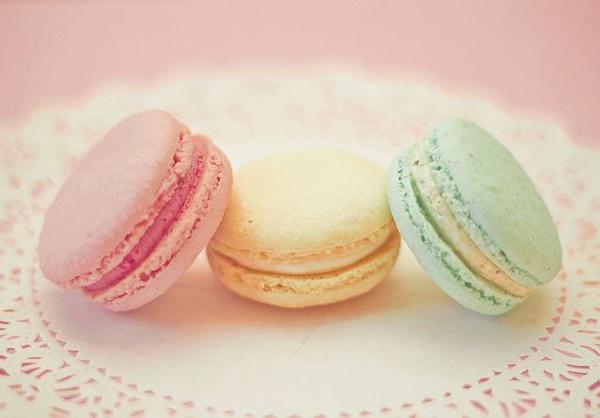 Tri makarona Autentične slatke kuće u Parizu: Macarons