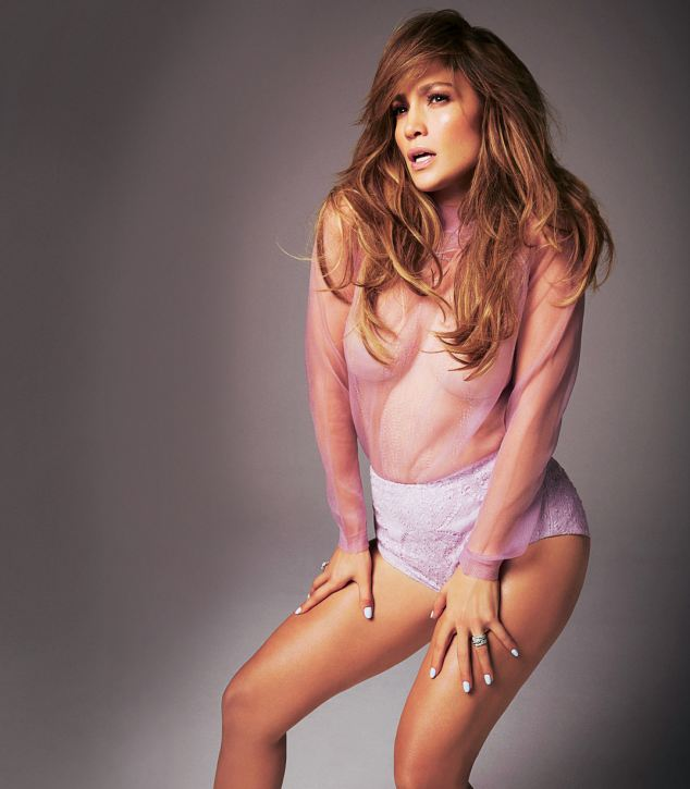 article 2546079 1AF4572C00000578 528 634x725 Jennifer Lopez: Seksi naslovnica