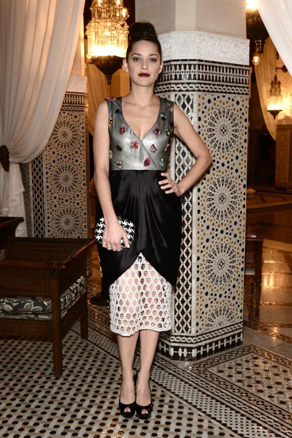 marion kotijar haljina sa printom 10 odevnih kombinacija: Marion Cotillard