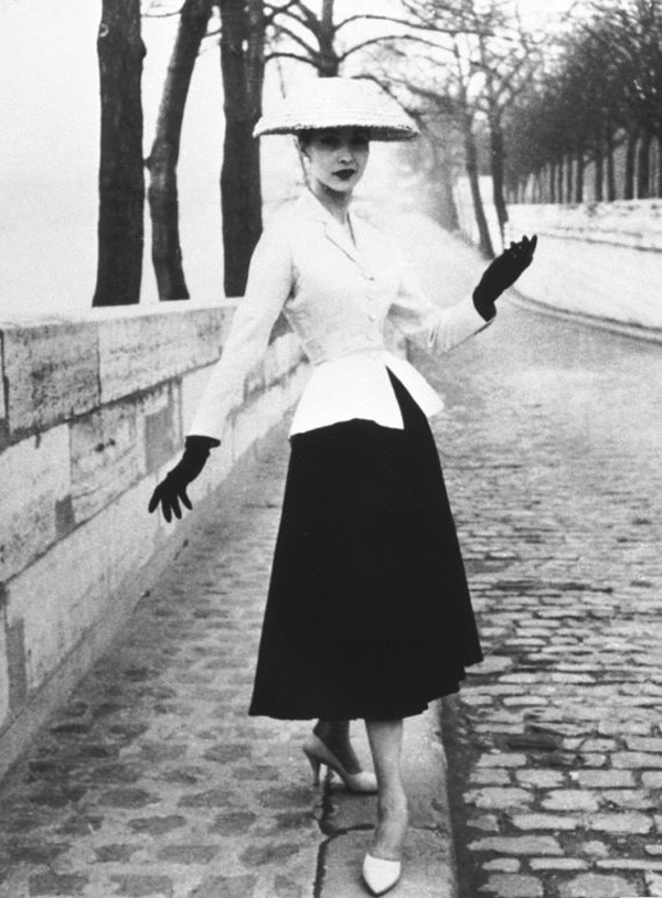 o NEW LOOK 570 The Best Vintage Moments: Christian Dior