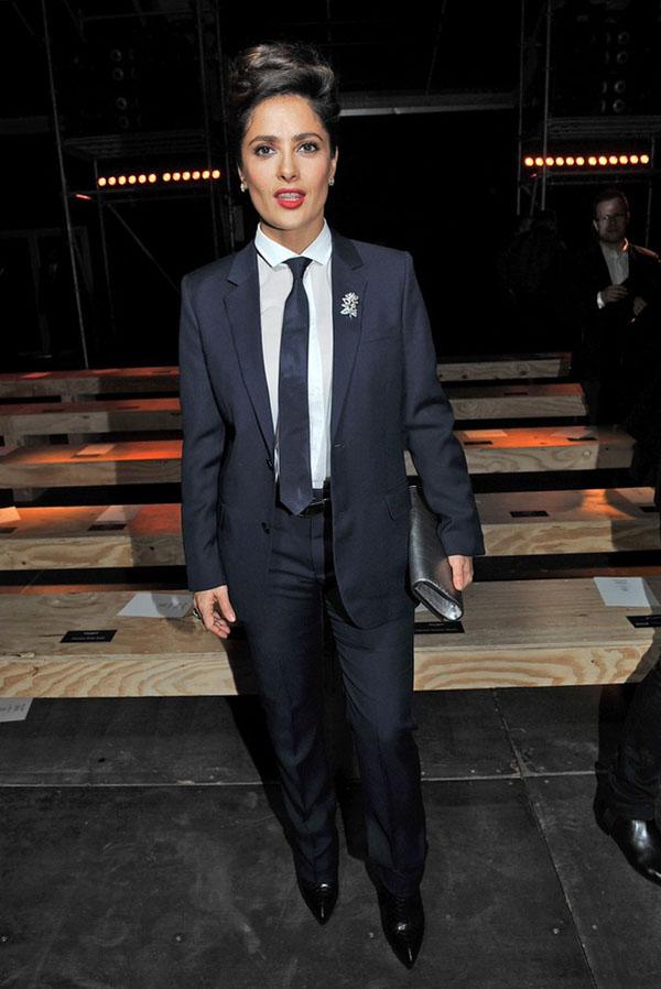 ysl fr01 Kada ona nosi odelo Saint Laurent