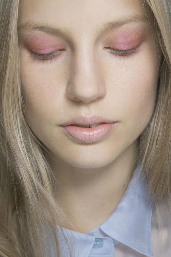 00040h 1280x1920 Beauty trend: Nežna pink na licu