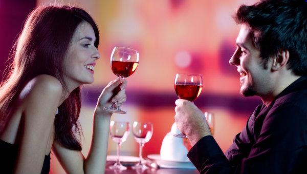 10 reasons online dating profile Žene drže konce u rukama