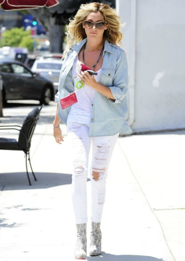 10 Ashley Tisdale One to nose ovako: Teksas