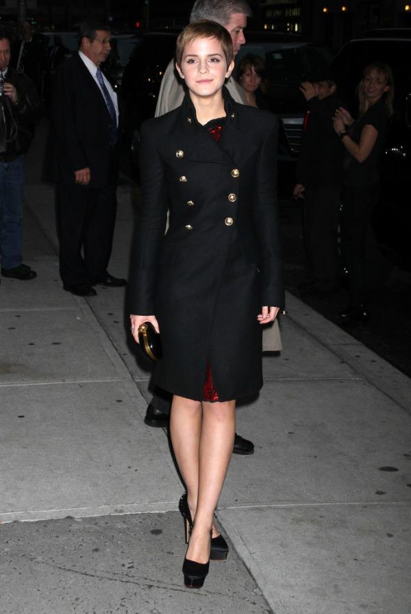 6 Emma Watson Svi nose... Burberry