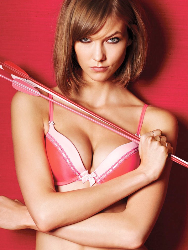 760x1013xvictorias secret valentines day3.jpg.pagespeed.ic .wxQhamYlBs Victorias Secret: Seksi kolekcija za Dan zaljubljenih