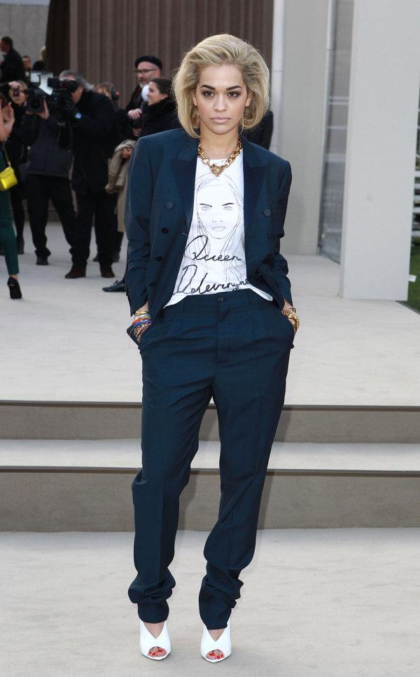 9 Rita Ora Svi nose... Burberry