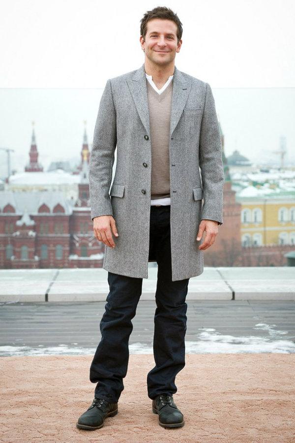 Bradley Cooper glamour 6feb14 rex b 592x888 Voleli bismo da se naši momci oblače ovako