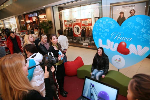Dan zaljubljenih u USCE SC Foto konkurs i pokloni za zaljubljene u UŠĆE Shopping Centru