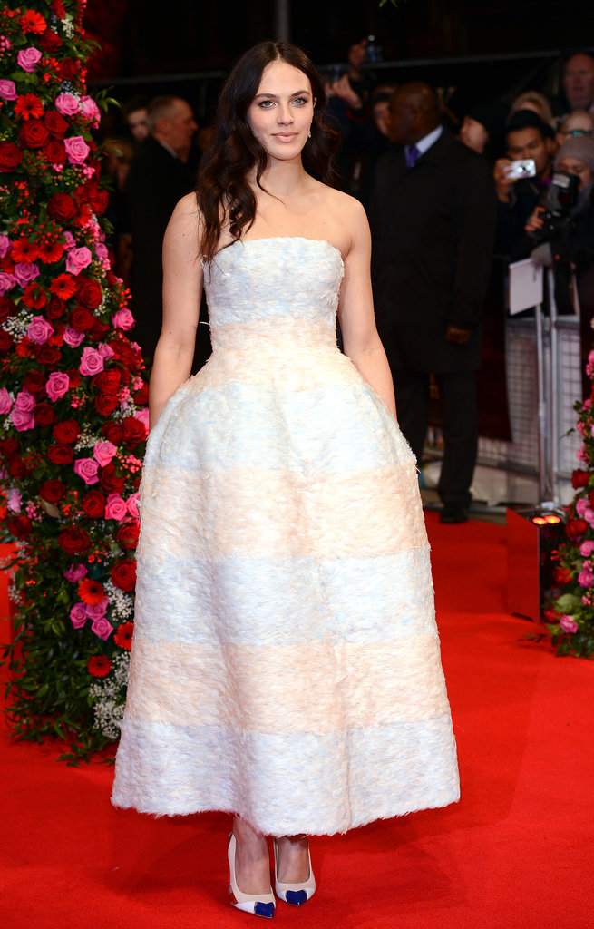 Jessica Brown Findlay Winter Tale Premiere Dior na crvenom tepihu