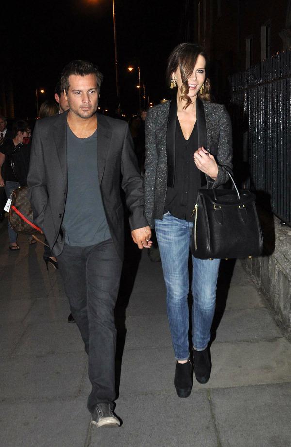 Kate Beckinsale 4 Sve torbe: Kejt Bekinsejl