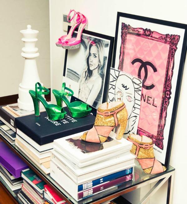 Kjara Feranji knjige i cipele Zavodljiv enterijer doma poznate blogerke: Kjara Feranji