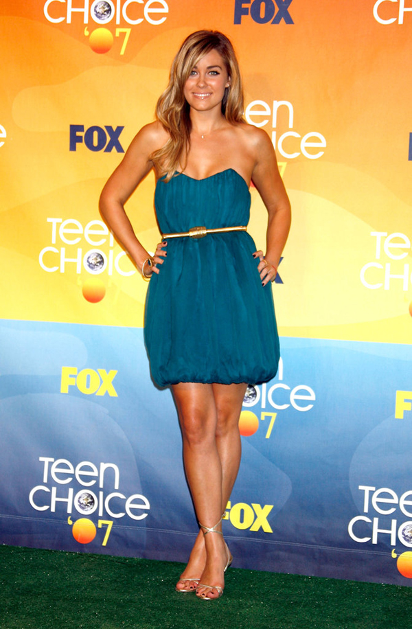 LC glowed strapless teal bubble dress designed Conrad herself 2007 Teen Choice Awards Lekcije o stilu Loren Konrad