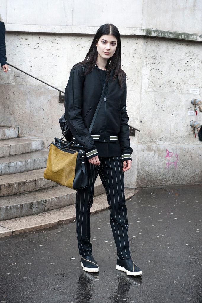 PFW Model Street Style Day One 1 Paris Fashion Week: Modeli vole crnu