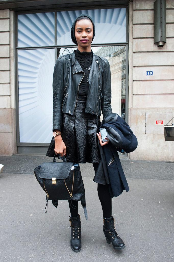 PFW Model Street Style Day One Paris Fashion Week: Modeli vole crnu