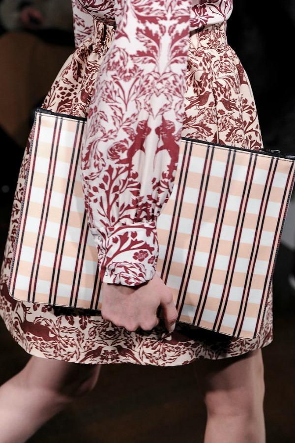 Slika 143 Najbolje torbe na Nedelji mode u Londonu