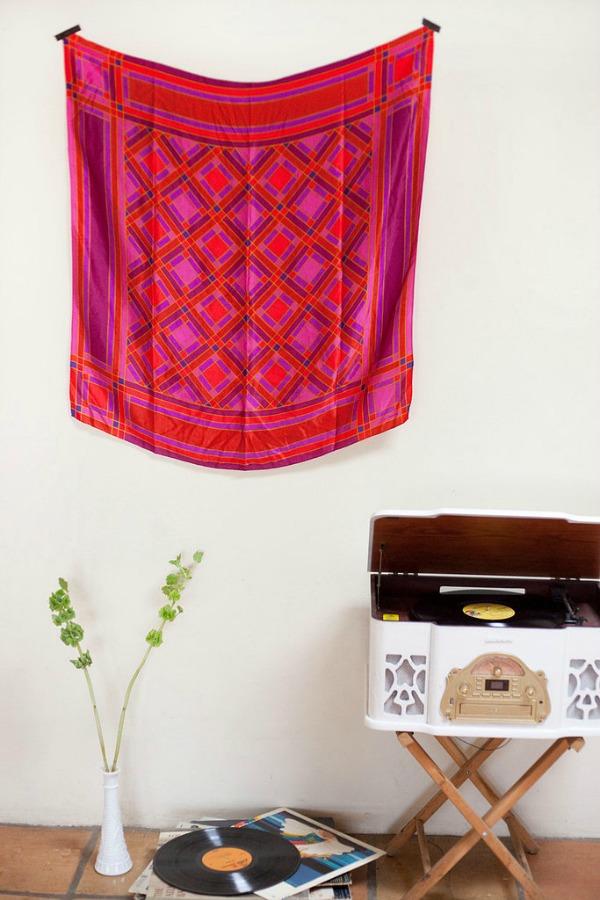 Slika66 Nekoliko briljantnih ideja da dekorišete prostor uz pomoć marama