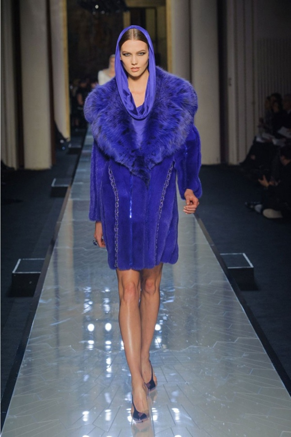 Versace look 12 garticle Sedam lekcija sa Pariske nedelje visoke mode