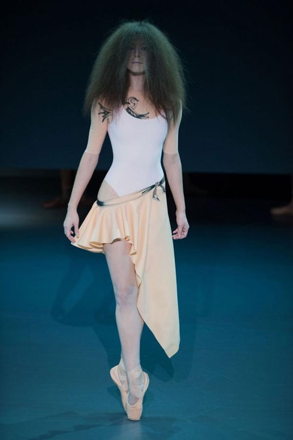 Viktor e Rolf look 11 garticle Sedam lekcija sa Pariske nedelje visoke mode