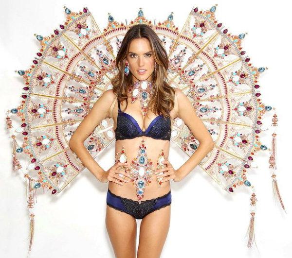 embedded Alessandra Ambrosio vs Najlepši Victorias Secret modeli