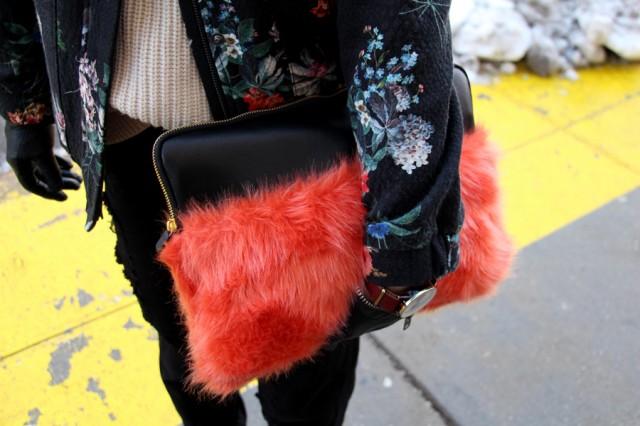 galleryimage15clutch 640x426 Street Style New York Fashion Week: Najbolji detalji