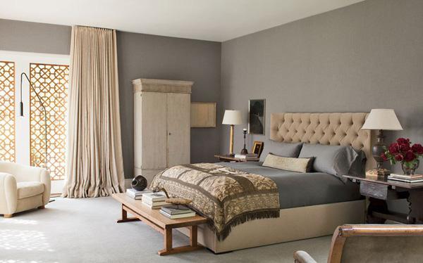 item6.rendition.slideshowWideHorizontal.gray rooms 07 ellen degeneres portia de rossi master bedroom Moj enterijer: Sve nijanse sive