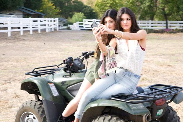 kendall kylie pacsun 04 Sestre Kendal i Kajli Džener PacSun modeli za proleće 2014.