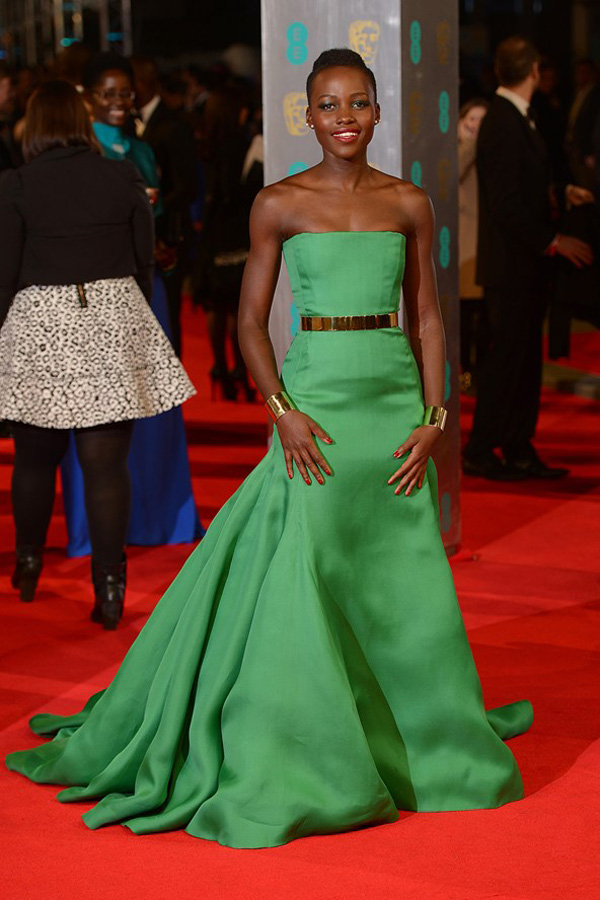 lupita nyongo 2 vogue 16feb14 pa b 592x888 Fashion Police: BAFTA Awards