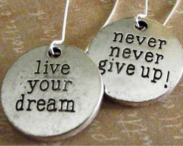 never give up 2 Nikada se ne odričite svojih snova