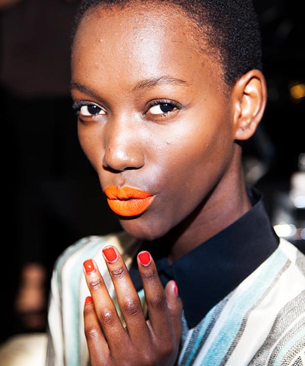 022514 orange lips 10 567 Narandžasta je nova crvena