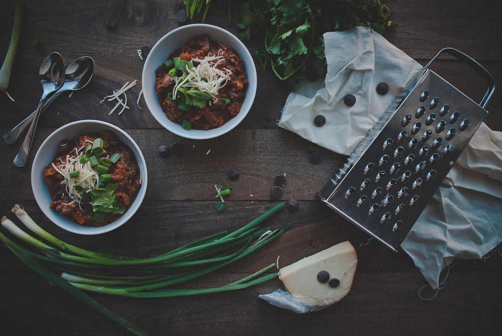 11812426573 ed7fc9ab16 b Blog o hrani koji volimo: Two Red Bowls
