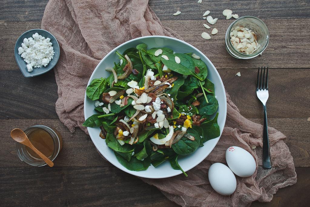 12602133063 c3a4503193 b Blog o hrani koji volimo: Two Red Bowls
