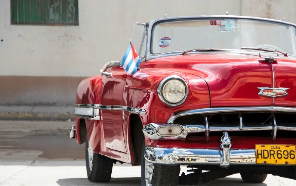 133 Američki oldtajmeri na ulicama Havane