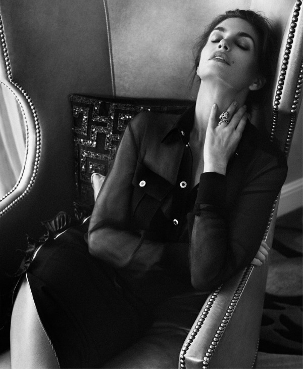 "263 ""Harpers Bazaar Russia"": Super glamurozna Sindi Kraford"