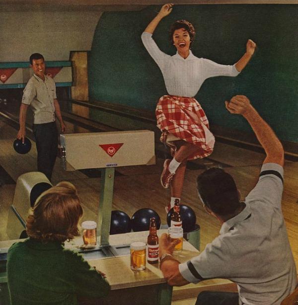 343 Vintage reklame za pivo sa ženama