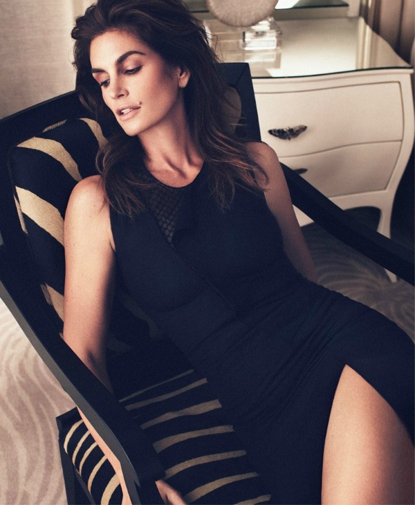 "533 ""Harpers Bazaar Russia"": Super glamurozna Sindi Kraford"