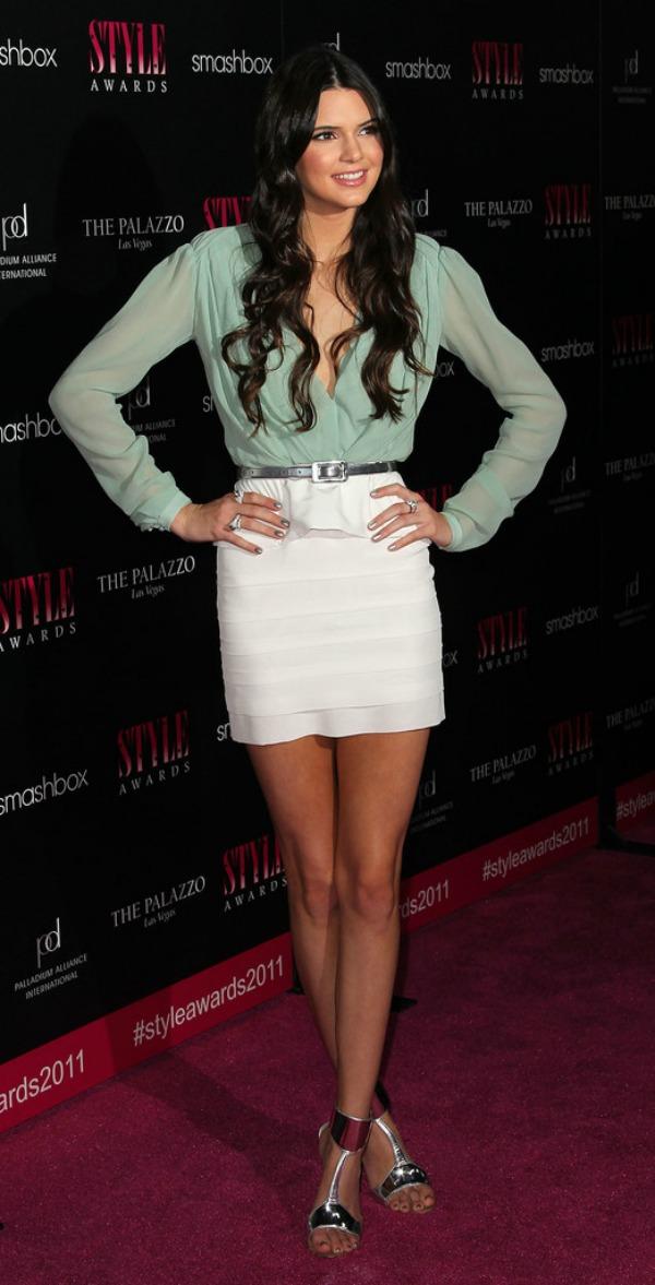 5 Kendall Jenner One to nose ovako: Pastelne boje