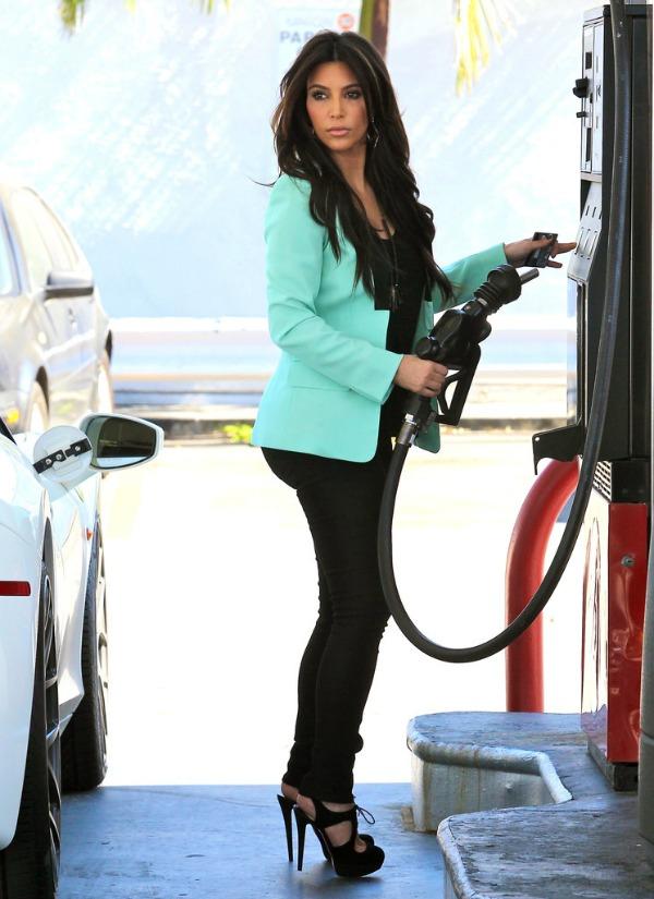 8 Kim Kardashian One to nose ovako: Pastelne boje