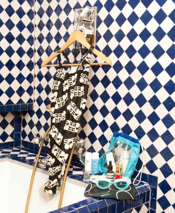 Ana delo ruso kupaci  Legendarna modna ikona kakvu do sada niste videli: Ana Delo Ruso