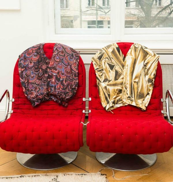 Andjelika Tasen crvene fotelje  U njenom domu: Anđelika Tašen