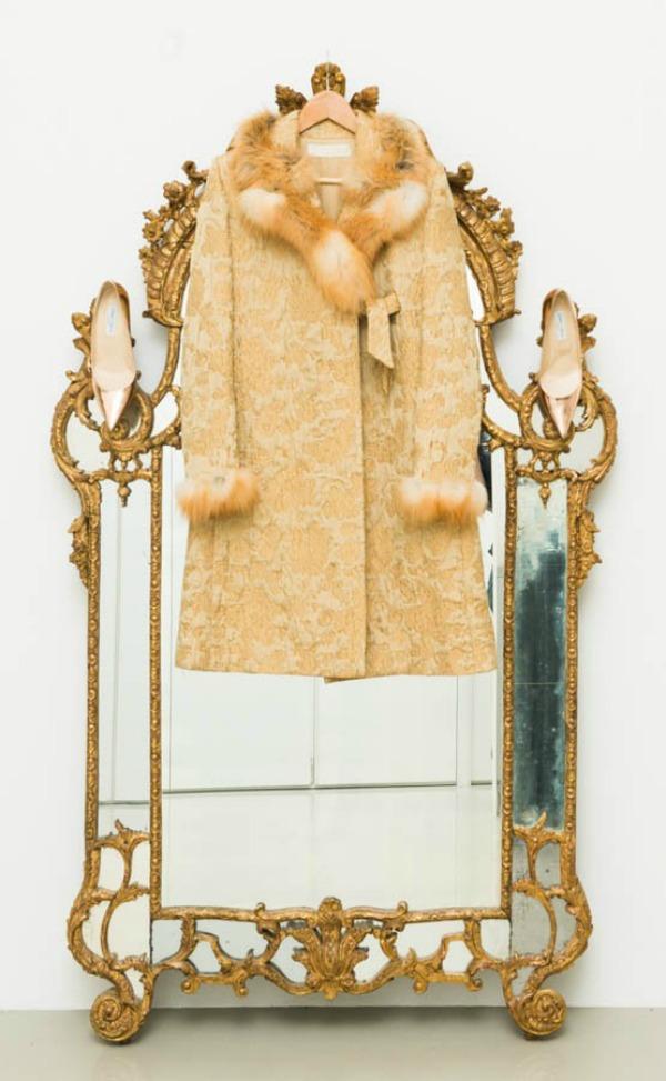Andjelika Tasen zlatno ogledalo  U njenom domu: Anđelika Tašen