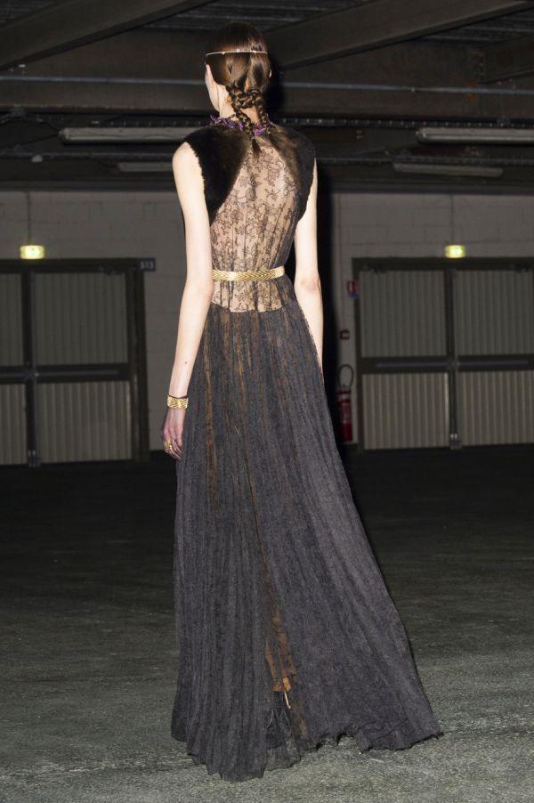Givenchy bck RF14 9598.nocrop.w1800.h1330 Deset najboljih pozadina sa meseca mode