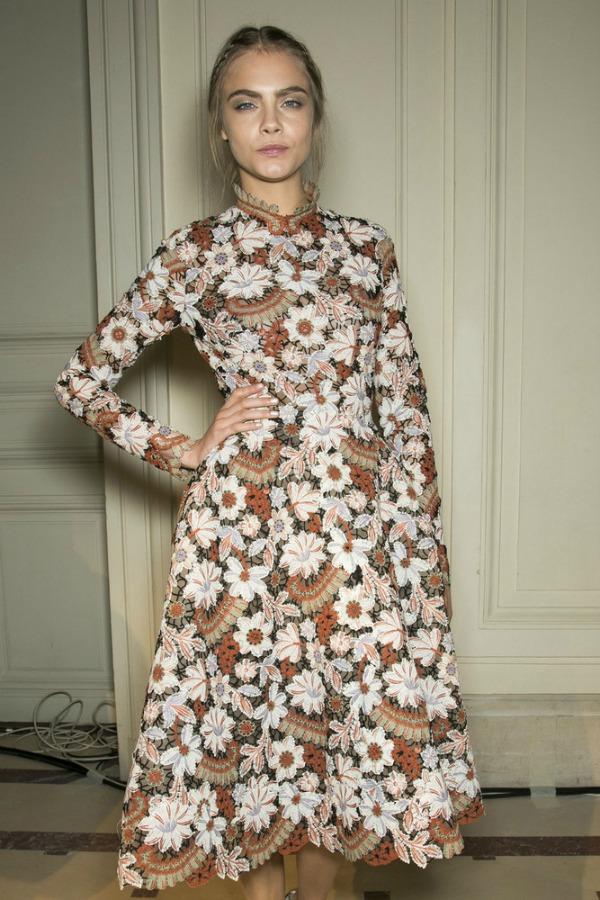 Kara i Valentino haljina prepuna detalja 10 haljina: Kara Delevinj