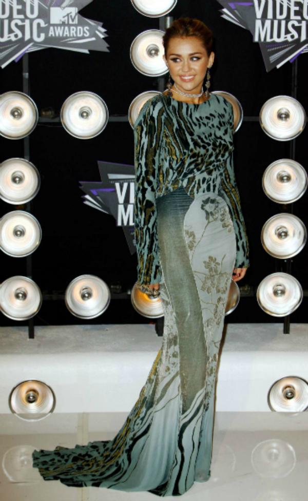 Miley Cyrus 2011 MTV VMA 10 haljina: Majli Sajrus