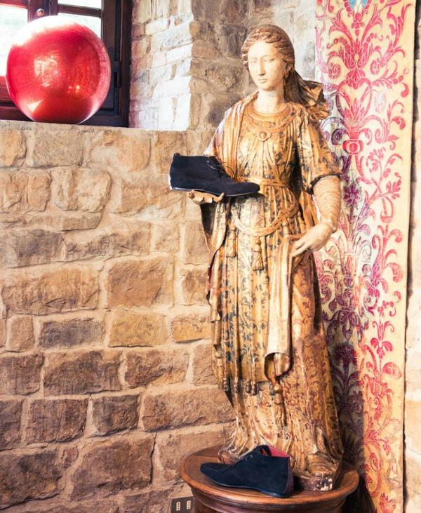 Robert Kavali figura  Zavodljiv enterijer doma Kavalijevog sina: Robert Kavali