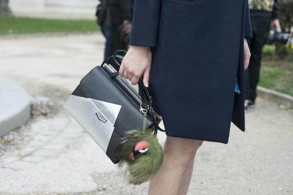 Slika 65 Nekad se čitav svet vrti oko cipela i torbi