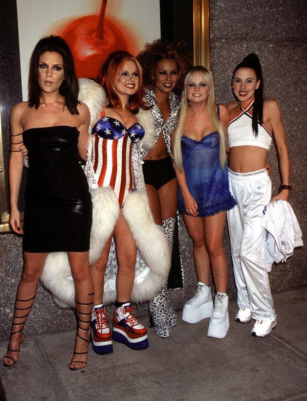 Spice Girls 1997 MTV Video Music Awards Momenti kada su patike dobile svojih pet minuta